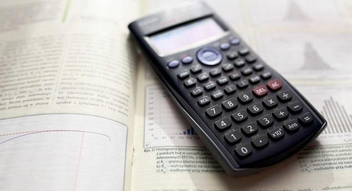 Calculator ©Visualhunt